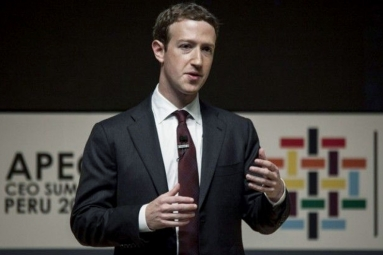 Facebook CEO Refuses to Quit Amid Pressure from Investors