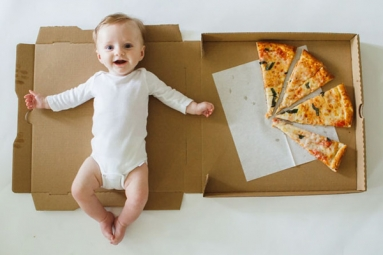 Mom Documents Her Baby's Monthly Growth with Pizza! Check out Creative Baby Monthly Milestone Pictures